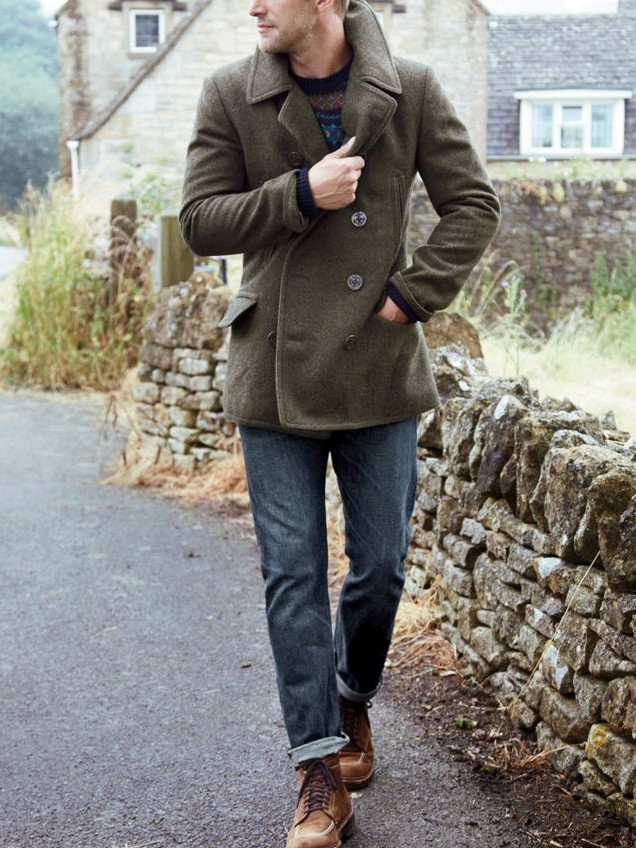 Men's outfit idea for 2021 with navy patterned jumper, dark blue jeans, workboots. Suitable for autumn and winter.
