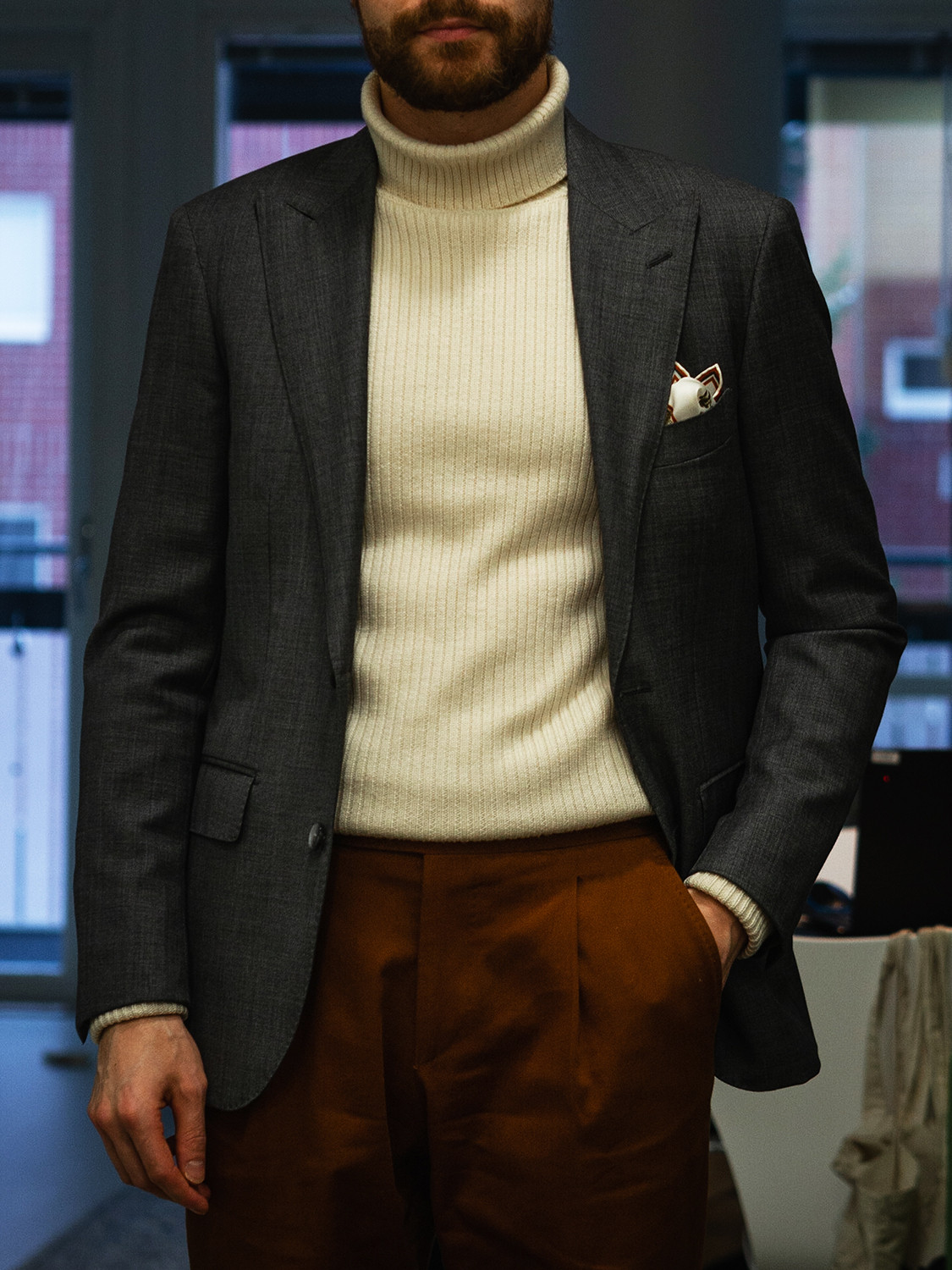 Men's outfit idea for 2021 with grey plain blazer, brown plain formal trousers, brown oxford / derby shoes. Suitable for autumn and winter.