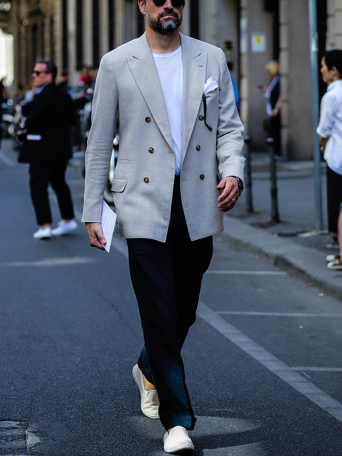 Men's outfit idea for 2021 with grey double-breasted blazer, white crew neck t-shirt, navy linen pants, tortoiseshell sunglasses, neutral espadrilles. Suitable for spring and summer.