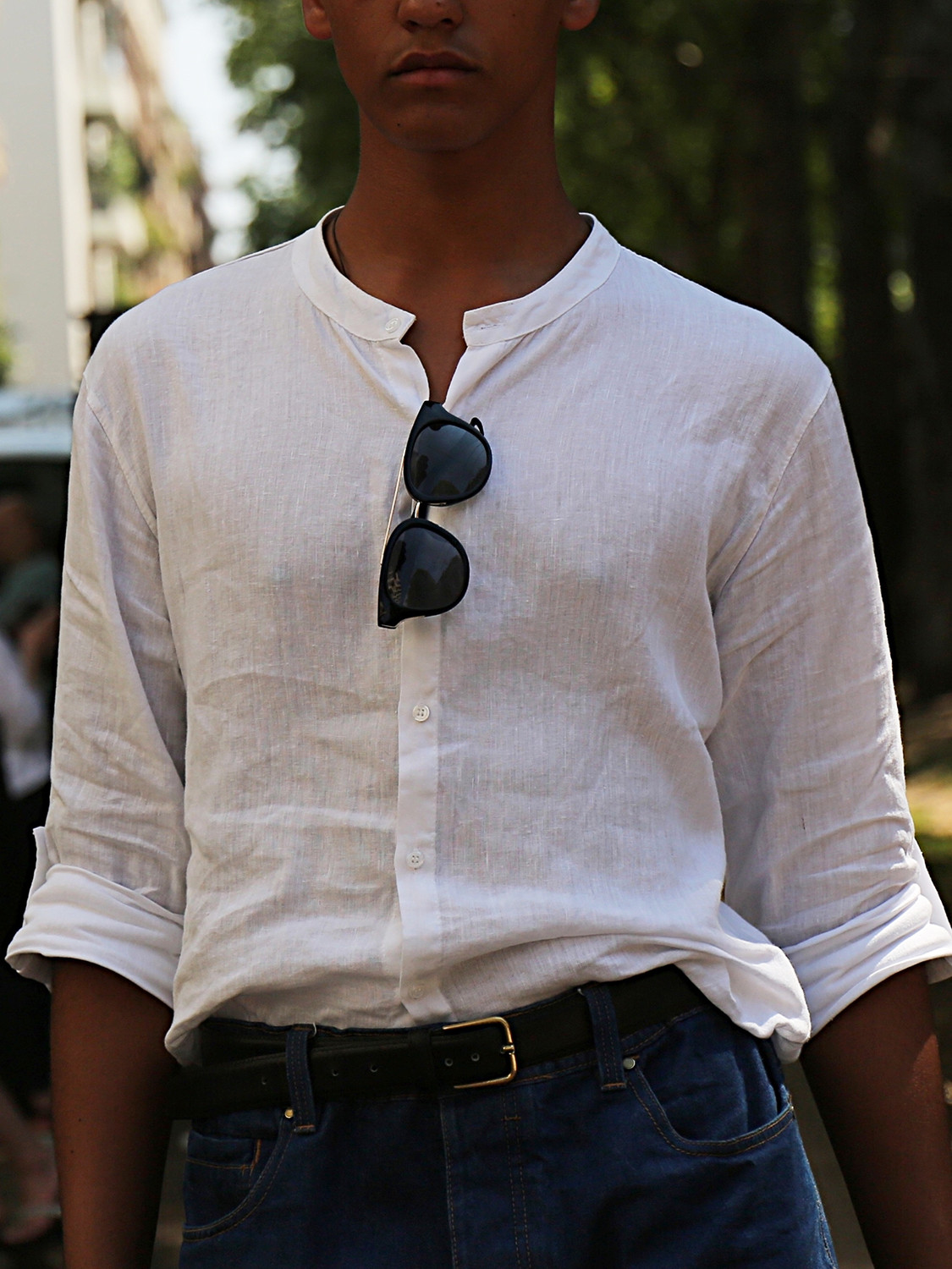 Men's outfit idea for 2021 with white linen shirt, dark blue jeans. Suitable for spring and summer.