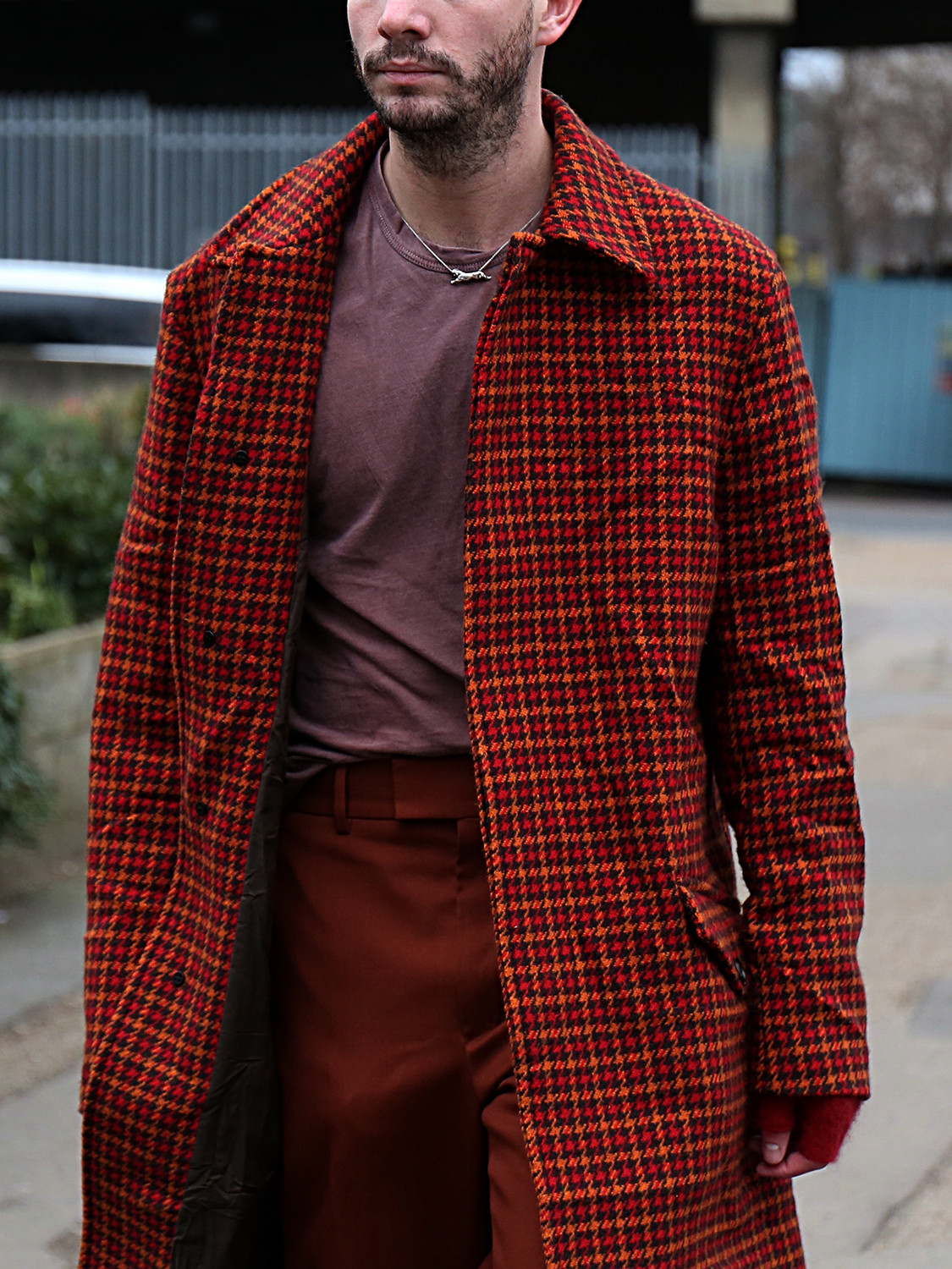 Men's outfit idea for 2021 with red overshirt, purple plain crew neck t-shirt, red plain formal trousers, black oxford / derby shoes. Suitable for spring and autumn.