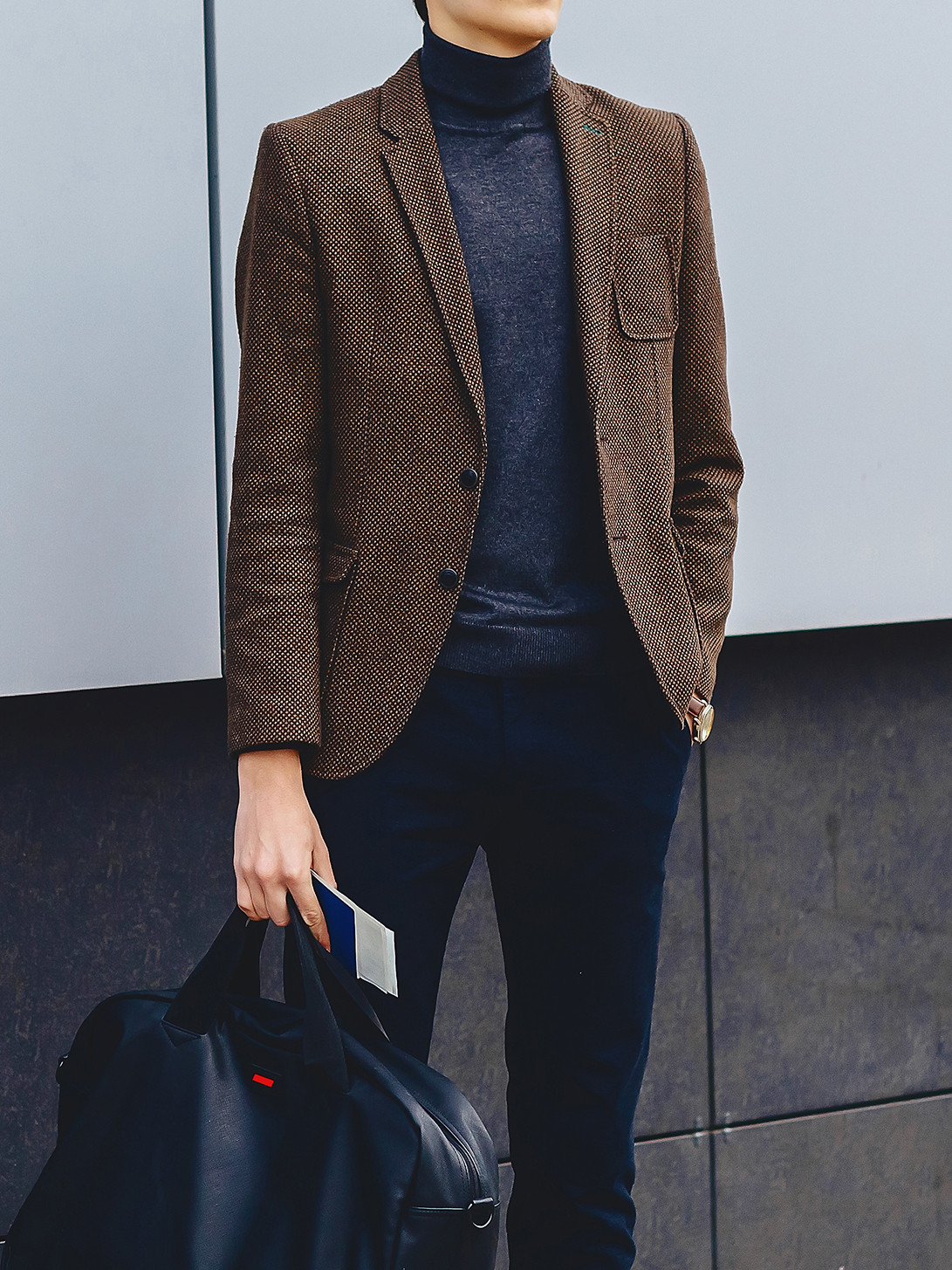 Men's outfit idea for 2021 with brown check blazer, navy cords, brown lace-up leather boots. Suitable for autumn and winter.