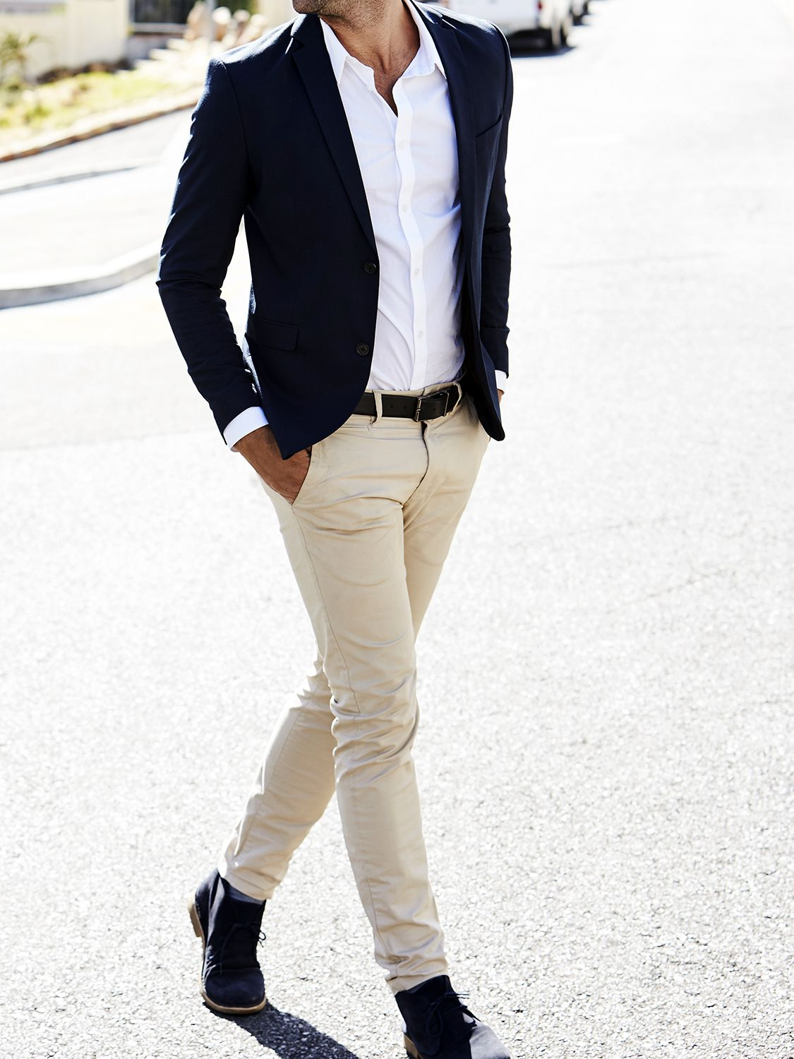 Men's outfit idea for 2021 with navy plain blazer, white casual shirt, stone chinos, suede shoes / desert shoes. Suitable for spring and autumn.