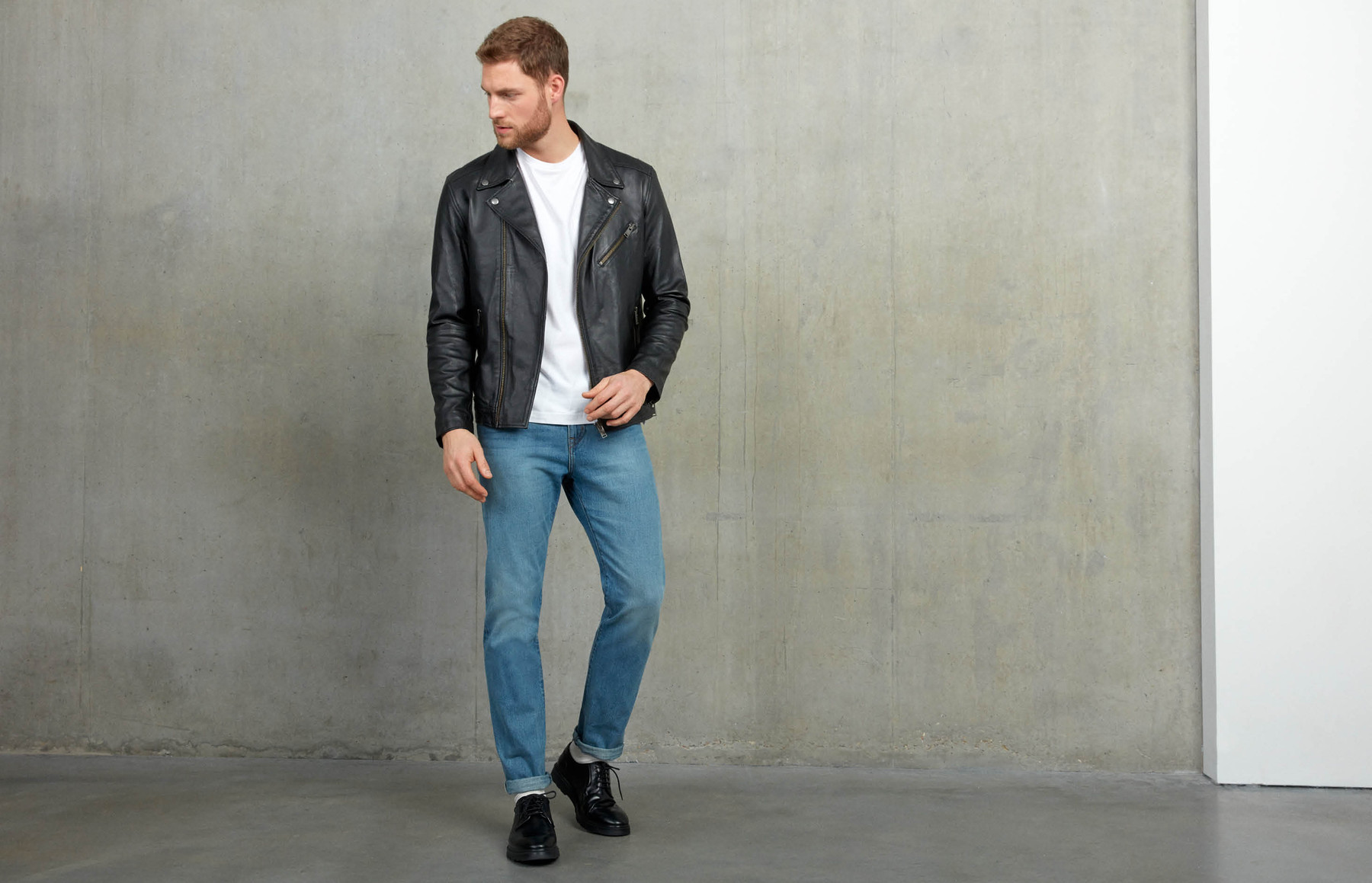 How a leather jacket should fit