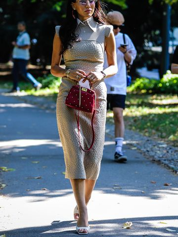 Women's outfit idea for 2021 with white heels. Suitable for spring and summer.