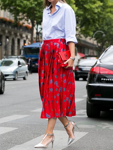 Women's outfit idea for 2021 with blue shirt, red skirt. Suitable for spring and summer.